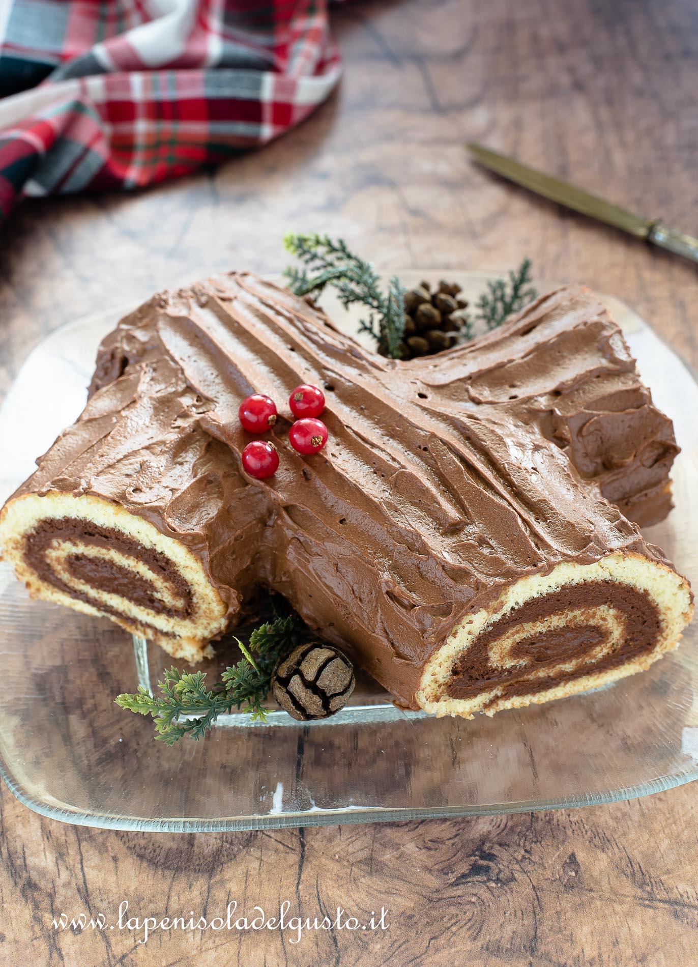 Come Decorare Il Tronchetto Di Natale.Tronchetto Di Natale Facilissimo E Goloso Con Mousse Al Cioccolato